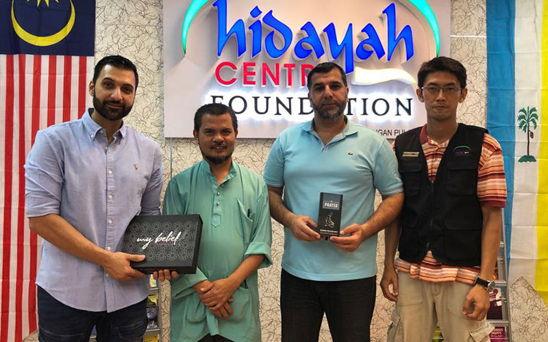 Tenfold meet with Hidayah centre to sign official partnership. In this photo shows staff from Tenfold and Hidayah centre